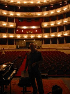 Randy at the Vienna soundcheck in 2006.